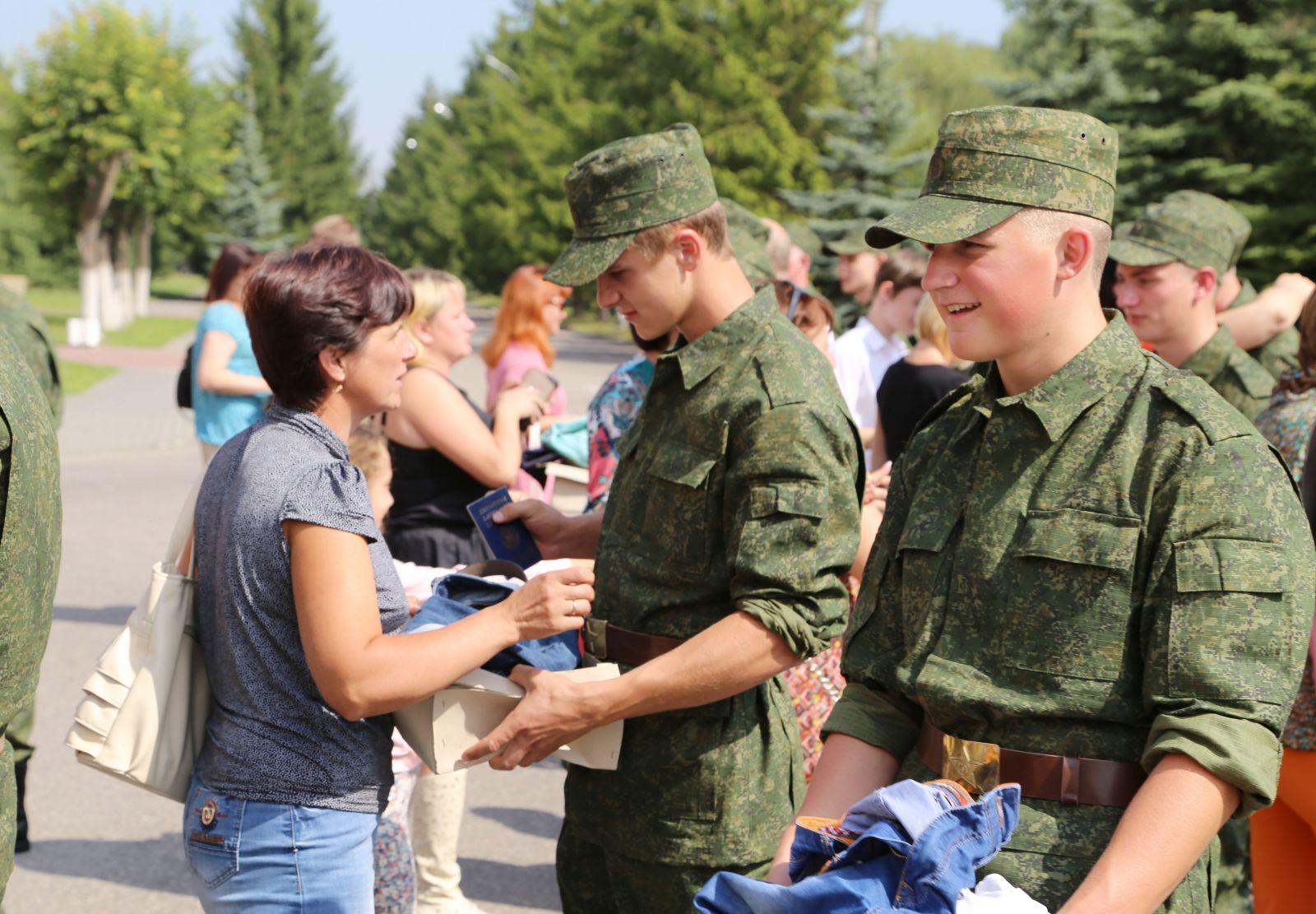 горячая, истекающая военная кафедра при университете звезды эротично